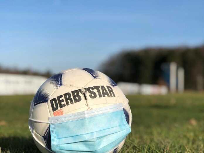 Sport_Ball_mit_Maske