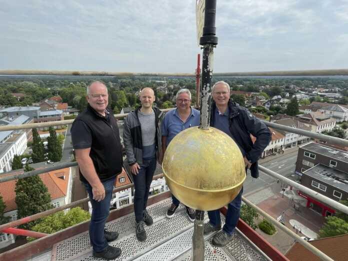 BZB_St. Liborius Kirchturm alle 2